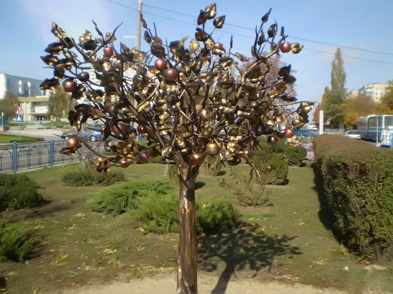 Яблочное дерево в Южном